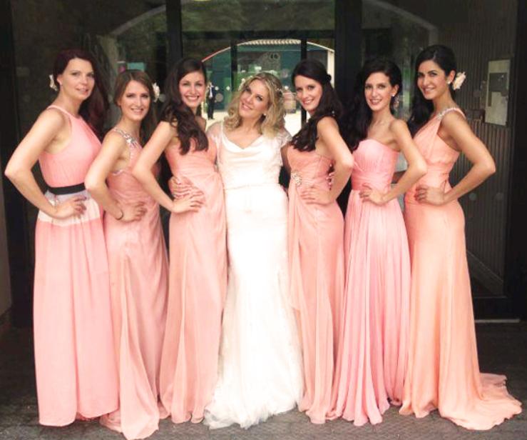 कटरीना कैफ से भी कईं गुना सुंदर हैं उनकी ये 6 बहनें, फ़ोटोज़ देख कर आप भी इनके दीवाने हो जाएंगे - NamanBharat